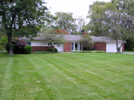 Bloomfield Twp MI Ranch home 4251 Derry St 3 BR 1.5 BA